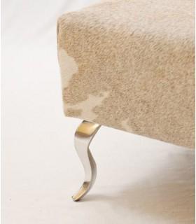 Pied de meuble design Baroque en aluminium massif sur pouf