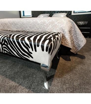 Détail pied de meuble design Baroque en aluminium massif HT.230 mm