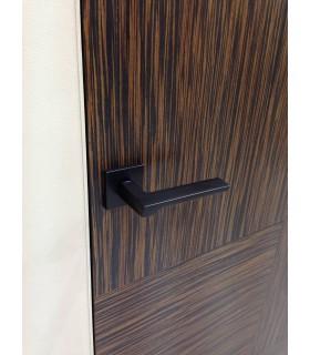 Poignée de porte FILA 147 de Groël en noir ou blanc