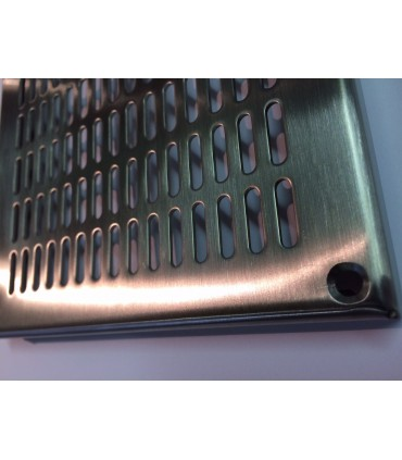Grille de ventilation en inox avec trous oblongs