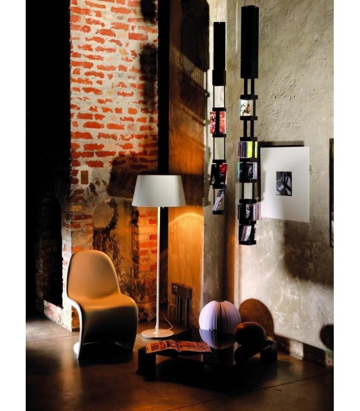 etag re suspendue pour livres ou magazines tower 33 par motusmentis. Black Bedroom Furniture Sets. Home Design Ideas