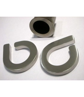 Deux poignées série Sly anneau ouvert à coller