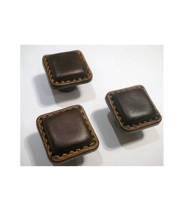 Bouton cuir marron