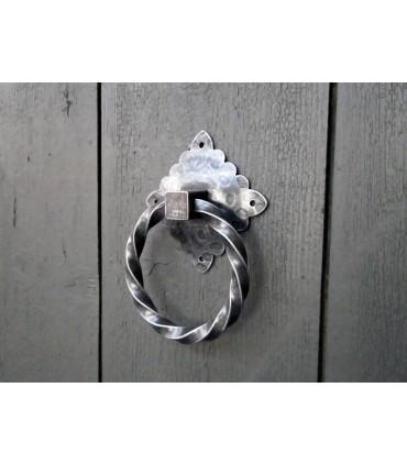 Poignée anneau fer forgé