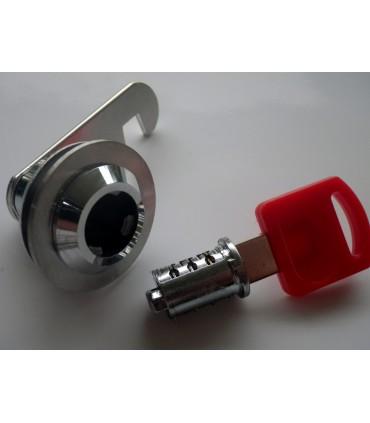 Clé pour le changement du cylindre sur serrures batteuses